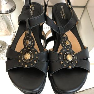 Naturalizer N5 Comfort Sandals